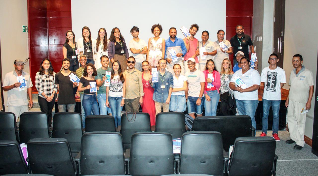 #PraCegoVer: Foto com profissionais do Museu da Gente Sergipana e do Instituto Banese