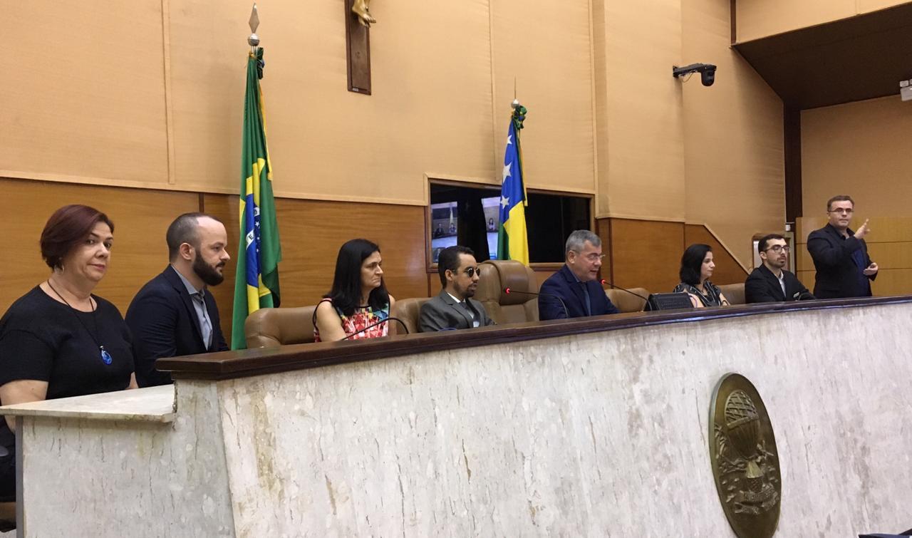 #PraTodoMundoVer Mesa com debatedores da audiência pública